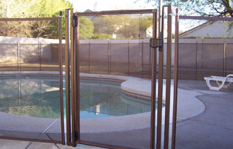 installed mesh pool fence