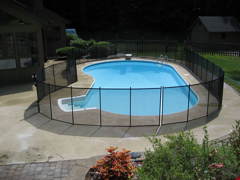 pool fence instalelr in Scarsdale, NY
