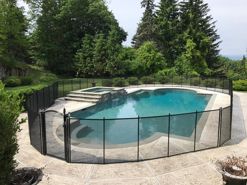 Life Saver Pool Fence installed in New London County, CT